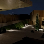 Eingang nachts Marbella II_Edificius