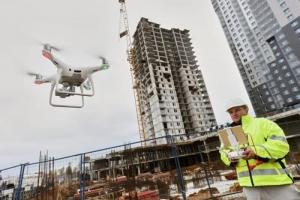 construction-site-safety-drone-pilot