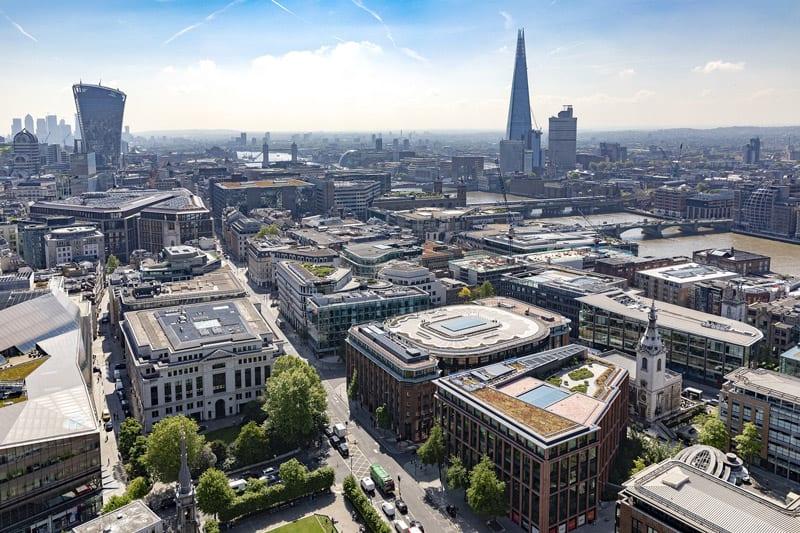 Vista aérea de la sede y la ciudad de Londres