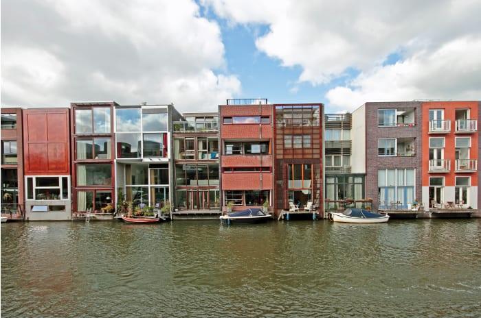 Maisons mitoyennes du Borneo à Amsterdam:façade donnant sur la mer