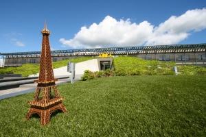 La photo de la tour eiffel: La Tour Eiffel du Lycée de Cambrai est arrivée au siège de ACCA software