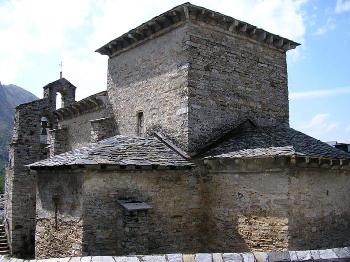 hbim - l'image représente une photo de l'église de Peñalba de Santiago - usBIM.platform, la plateforme collaborative BIM