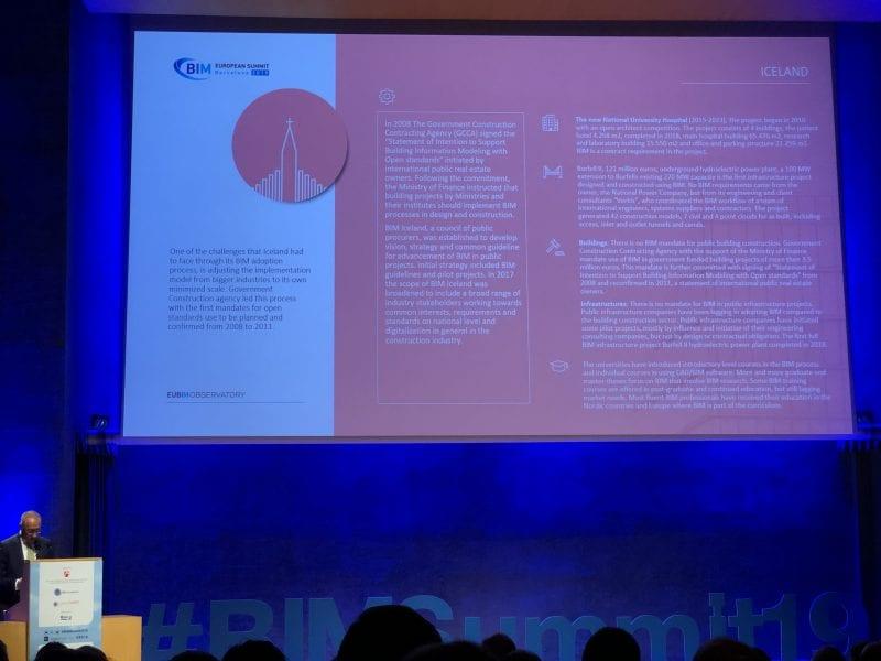 L'image illustre Ignasi Perèz Arnal dans un discours sur le BIM en Islande lors du sommet européen BIM 2019 à Barcelone sur le BIM en Europe