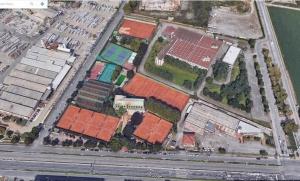 État existant du Monviso Sporting Club ,une vue aérienne ou l'on voix les différents cours de tennis ainsi que le stade