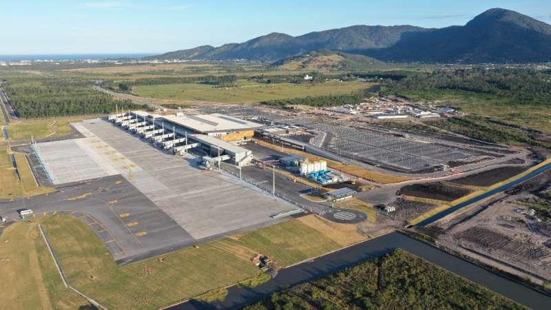 A imagem mostra uma vista aerea do Aeroporto de Florianopolis